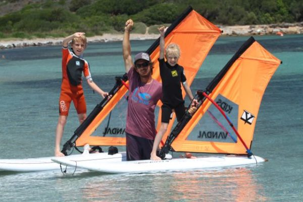 Découvrer le windsurf en Corse