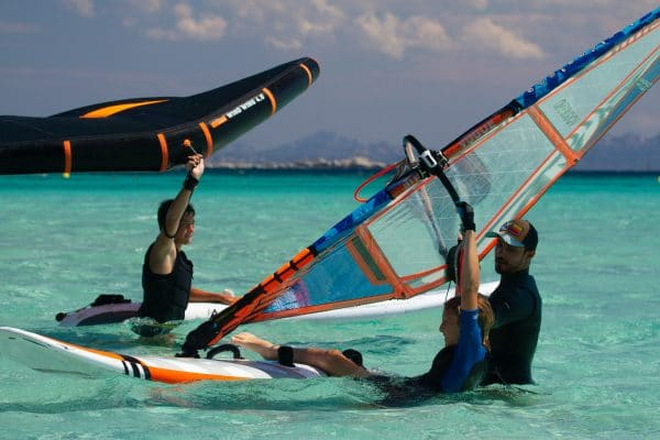 Wingfoil et windsurf à Piantarella